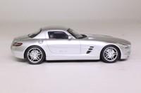 Spark S1002; Mercedes-Benz SLS AMG; Metallic Silver
