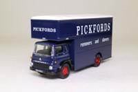 Corgi Classics CC11411; Bedford TK; Luton Van; Pickfords
