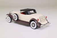 Solido 4035; 1930 Duesenberg Model J Roadster; Hood Up; Cream, Brown Chassis
