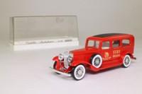 Solido 4038; 1931 Cadillac V16; Ambulance; Manhattan Fire Brigade
