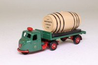 Trackside DG148001; Scammell Scarab; Artic Flatbed, Barrel Load, Watneys