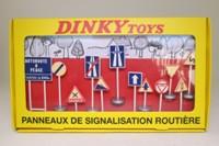 Dinky Toys 593; Road Signs; Panneaux De Signalisation Routiere