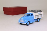 Dinky Toys 25 O; Camion Laitier; Nestle, Light Blue & White