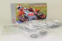 Hasegawa 21712; Yamaha YZR500 Motorcycle; 1989 Team Marlboro; Freddie Spencer; RN19