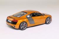 Schuco 501.12.184.13; 2009 Audi R8 V10; Samoa Orange Metallic