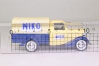Solido 4436; 1934 Ford V8 Truck; Miko Ice Cream