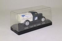 Solido 4440; 1934 Ford V8 Truck; Tanker, LE Briggs Co. Milk