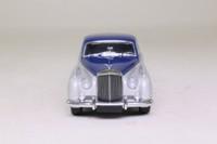 Minichamps 436 139950; 1960 Bentley S2 Standard Saloon; Blue & Silver