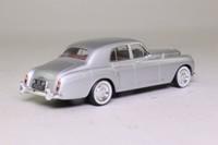 Minichamps 436 139552; 1956 Bentley S1 Continental; Silver Metallic