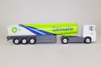 Corgi Classics TY86634; Scania R Cab, 1:64 Scale; Artic Fuel Tanker, BP Ultimate
