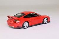 Minichamps 430 060120; 2001 Porsche 911 GT2; Indischrot, Red