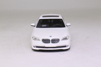 Minichamps 80420445201; 2009 BMW 750Li (F02); White