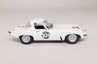 Bang/Box/ Best 9038; Jaguar E Type; Lightweight; 1965 Brands Hatch; Roy Salvadori; RN109