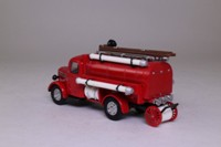 Models of Yesteryear YFE04; 1939 Bedford Tanker; Fire Service Tanker; Red