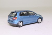 Minichamps 5M0 099 300 A55; 2004 Volkswagen Golf MkV Plus; Metallic Blue