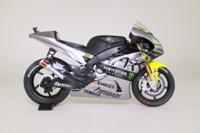 Minichamps 122 133956; Yamaha YZR-M1 Motorcycle; 2013 Sepang Test Bike; Valentino Rossi