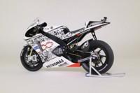 Minichamps 122 103299; Yamaha YZR-M1 Motorcycle; 2010 MotoGP Laguna Seca; Fiat Yamaha Team; Jorge Lorenzo; RN99