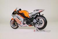 Minichamps 122 036333; Yamaha YZR-M1 Motorcycle; 2003 Moto GP; Fortuna Yamaha Team; Marco Melandri; RN33