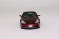 Vitesse VMC99034; 1999 Porsche 911 (996) Carrera 4; Arena Red Metallic