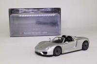IXO; 2013 Porsche 918 Spyder; Silver Metallic