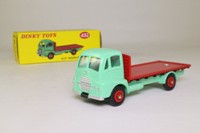 Dinky Toys 432; Guy Warrior Flat Truck; Light Green Chassis Cab, Red Load bed