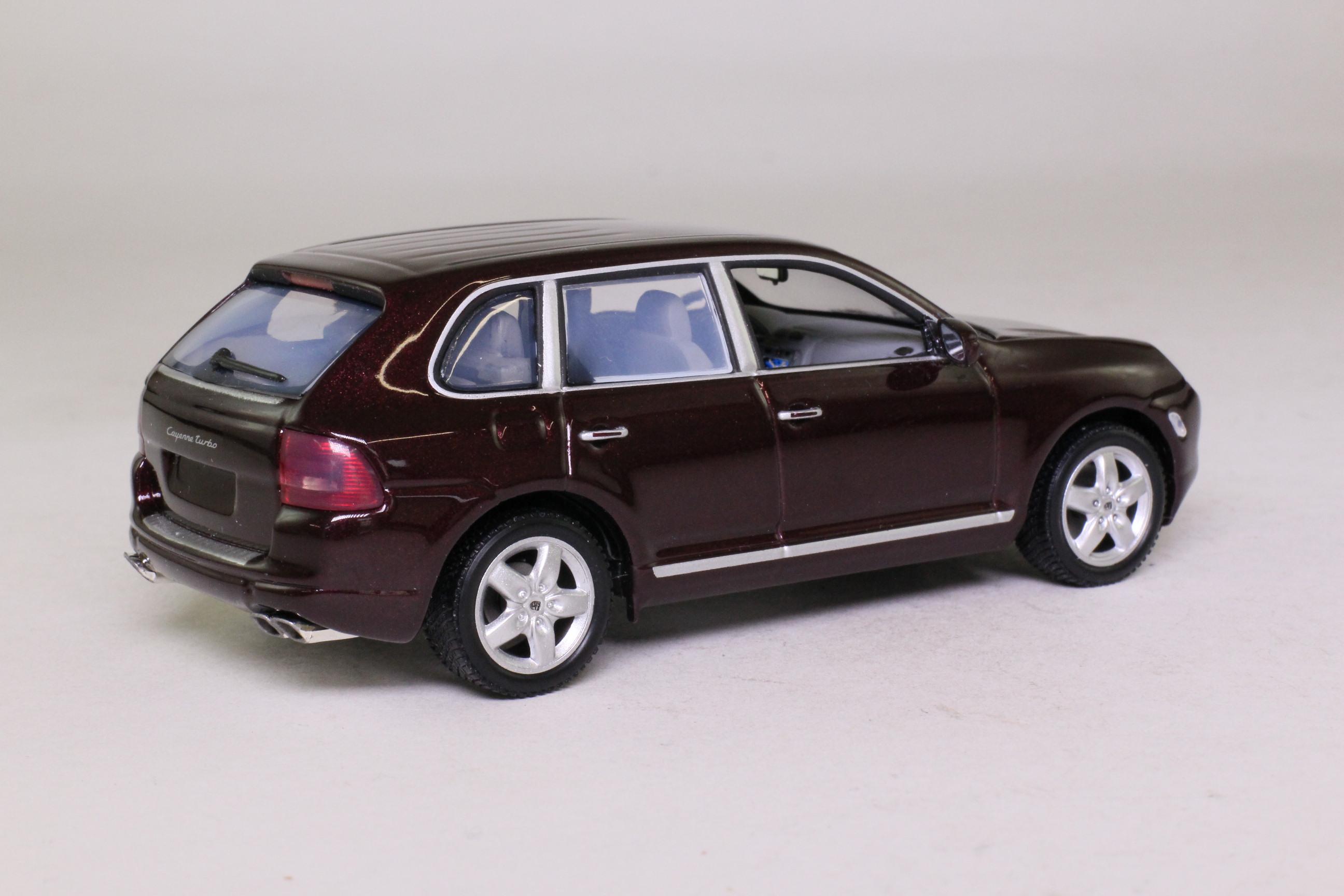 Minichamps WAP C20 001 13; Porsche Cayenne; Turbo, Dark Maroon