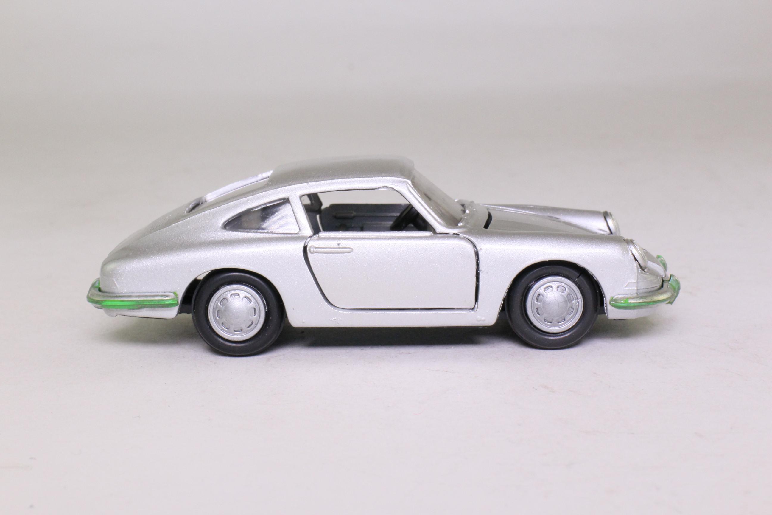 Gama 1119; 1964 Porsche 911; Metallic Silver