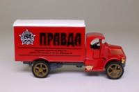 Models of Yesteryear Y-30/1; 1920 Mack Truck AC; Pravda