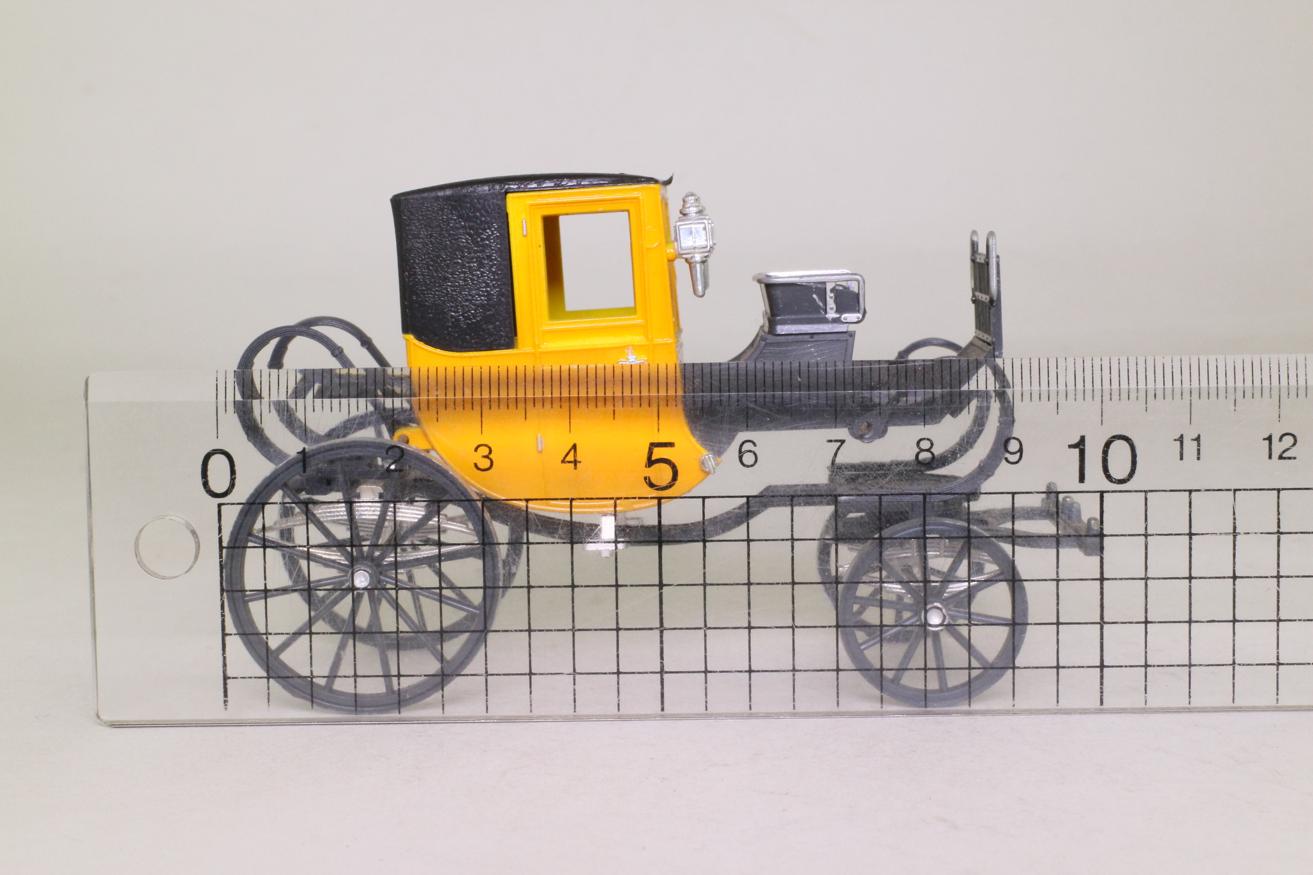 Brumm 16; Horse-Drawn 8-Spring Coupe; Yellow