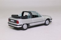 Gama 1799518; 1998 Vauxhall/Opel Astra F; Cabriolet; Metallic Silver