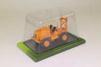 Universal Hobbies; 1950 Latil H14 TL10 Forestry Tractor; France