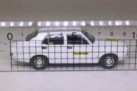 Vanguards VA06307; Morris Marina 1800; Yellow Cars