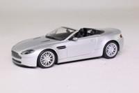 Minichamps 400 137430; 2009 Aston Martin V8 Vantage Roadster; Silver Metallic