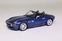 Minichamps 431 028740; 2001 BMW Z8 Roadster; Topaz Blue
