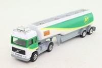 Corgi Small Scale 91341; Volvo Globetrotter Artic; Petrol Tanker, BP