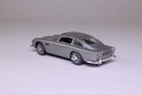 James Bond's Aston Martin DB5; Goldfinger - Open Road Diorama; Universal Hobbies