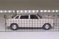 Vanguards VA08504; Wolseley Six; Old English white