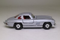 Corgi C811/1; 1954 Mercedes-Benz 300SL Gullwing; Silver Metallic