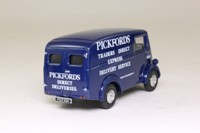 Corgi Classics 96880; Morris J Van; Pickfords