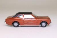 Corgi 19; Ford Cortina MkIII GXL; Bronze, Black Roof