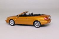 Atlas Editions 8 506 052; 1997 Volvo C70 Cabriolet; Saffron Metallic