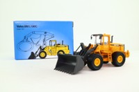 Scoop; Volvo L180C Shovel Loader; Yellow