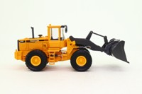 Scoop; Volvo BM L150C Shovel Loader; Yellow