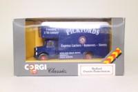 Corgi Classics 97082; Bedford O Series Pantechnicon; Pickfords Express Carriers, Shipley