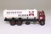 EFE 10901; AEC Mammoth Major 6W Rigid Tanker; Heygates Flour; Brown/Cream