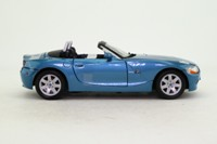 Motor Max 8866; 2002 BMW Z4 E85; Metallic Blue