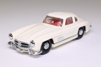 Dinky by Matchbox DY-12; 1955 Mercedes-Benz 300SL Gull Wing; Ivory
