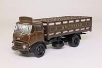 Corgi Classics CC13305; BMC FE Truck; Austin 4 Wheel Dray with Crates, Whitbread