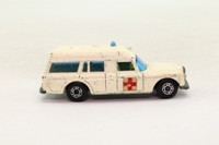 Matchbox/Lesney 3c; Mercedes-Benz Binz Ambulance; White, Rear Door Cast Shut, Narrow Superfast