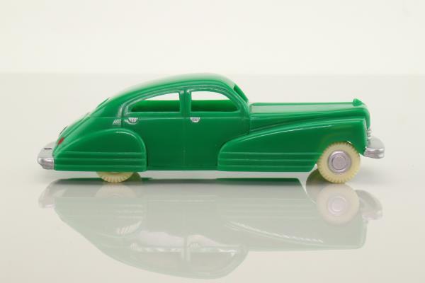 Dimestore Dreams 20040; Sedan 4 Door; Green